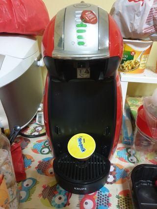 🚚 Preloved Nescafe Dolce Gusto Coffee Machine