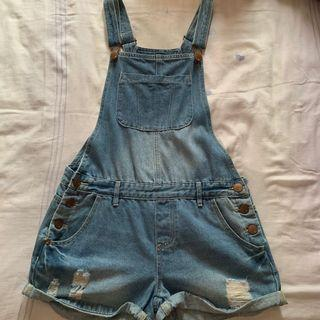 Short denim overalls