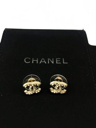 🚚 Chanel Earrings