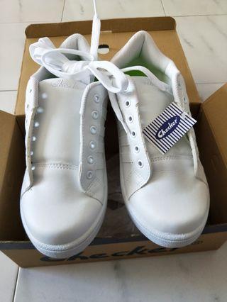 🚚 Checker white shoe