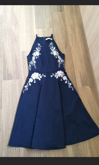 Sz s Intoxiquette cut shoulder embroidery midi dress