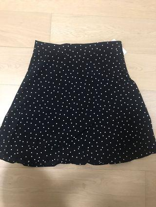 New Black and white dotted skirt 黑白波點短裙