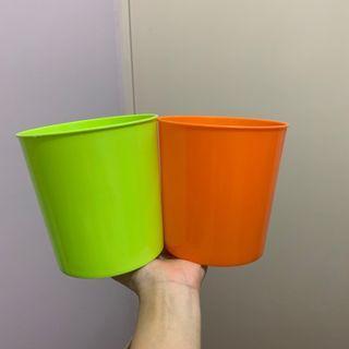 細膠桶 container