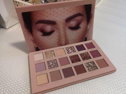 Huda Nude Eyeshadow