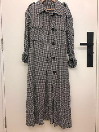 Mo&Co Check Trench