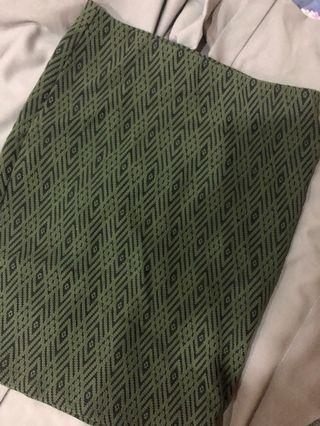 H&M green knee length skirt