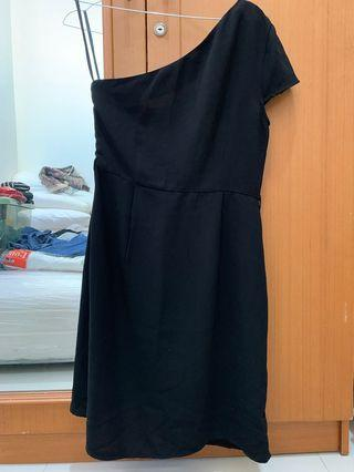 Papaya Black Dress