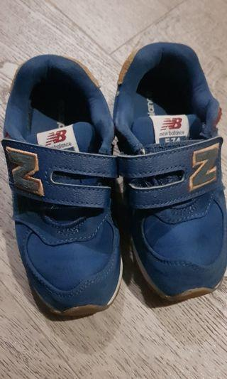 🚚 New balance track shoes