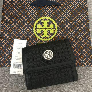 🚚 Brand New Tory Burch Short Quilted Black Wallet with Gold Hardware
