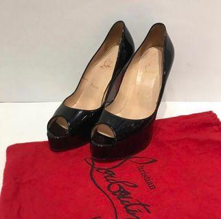 Christian Louboutin Patent Very Prive