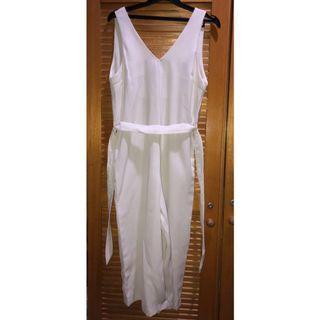 Jumpsuit Putih Garis
