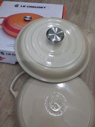 Le Creuset lc almond shallow casserole dish 26cm 淺鍋