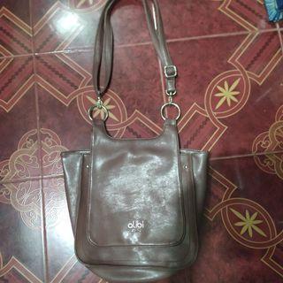 #mauthr Alibi Paris Sling Bag