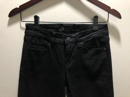 二手。Uniqlo刷破黑褲