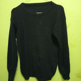 Sweater semi rajut
