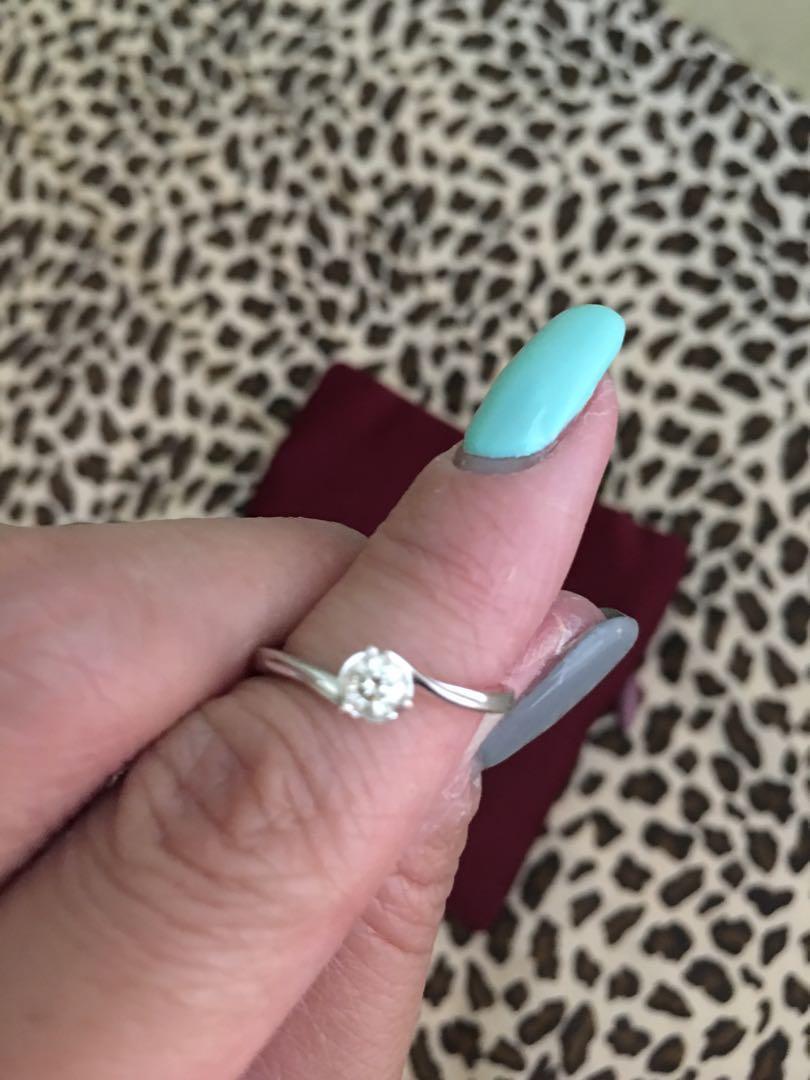 周大福 鑽石戒指