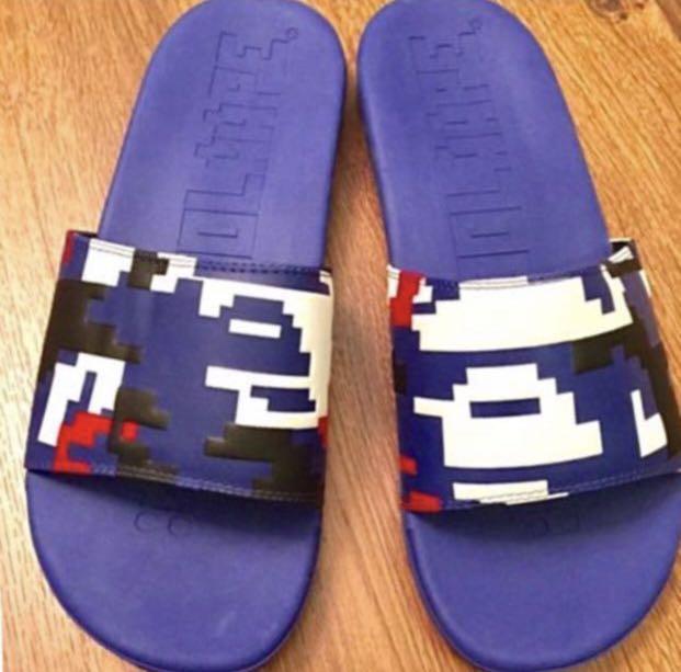 全新 Aape x Chocoolate 拖鞋, 長度29.5cm, 未着過。