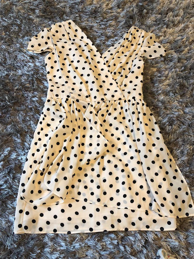 Gorgeous summer dress.  Size small.  Brand new