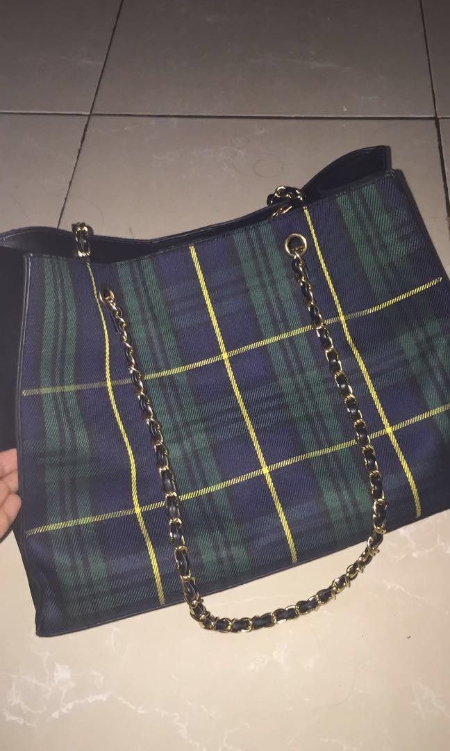 Hyca Octarina Tartan with Chain Strap Shoulder Bag Green