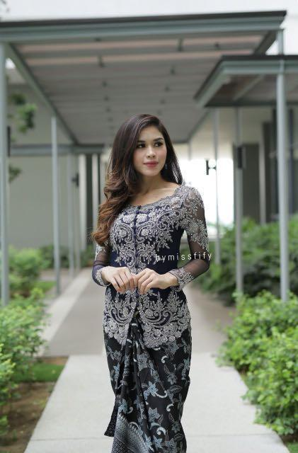 Kebaya by miss Fifiy