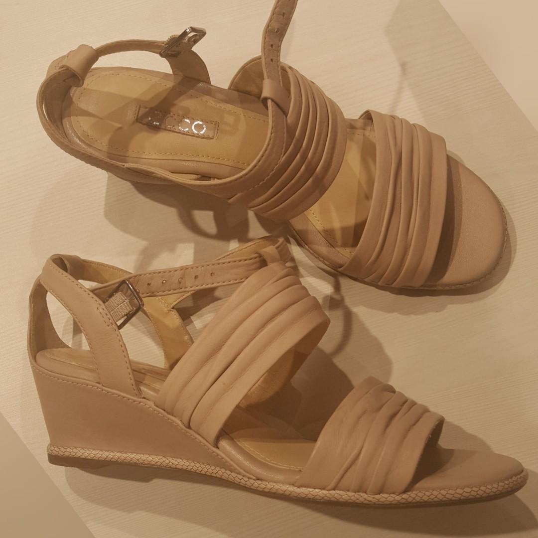 #mauthr ECCO sandals