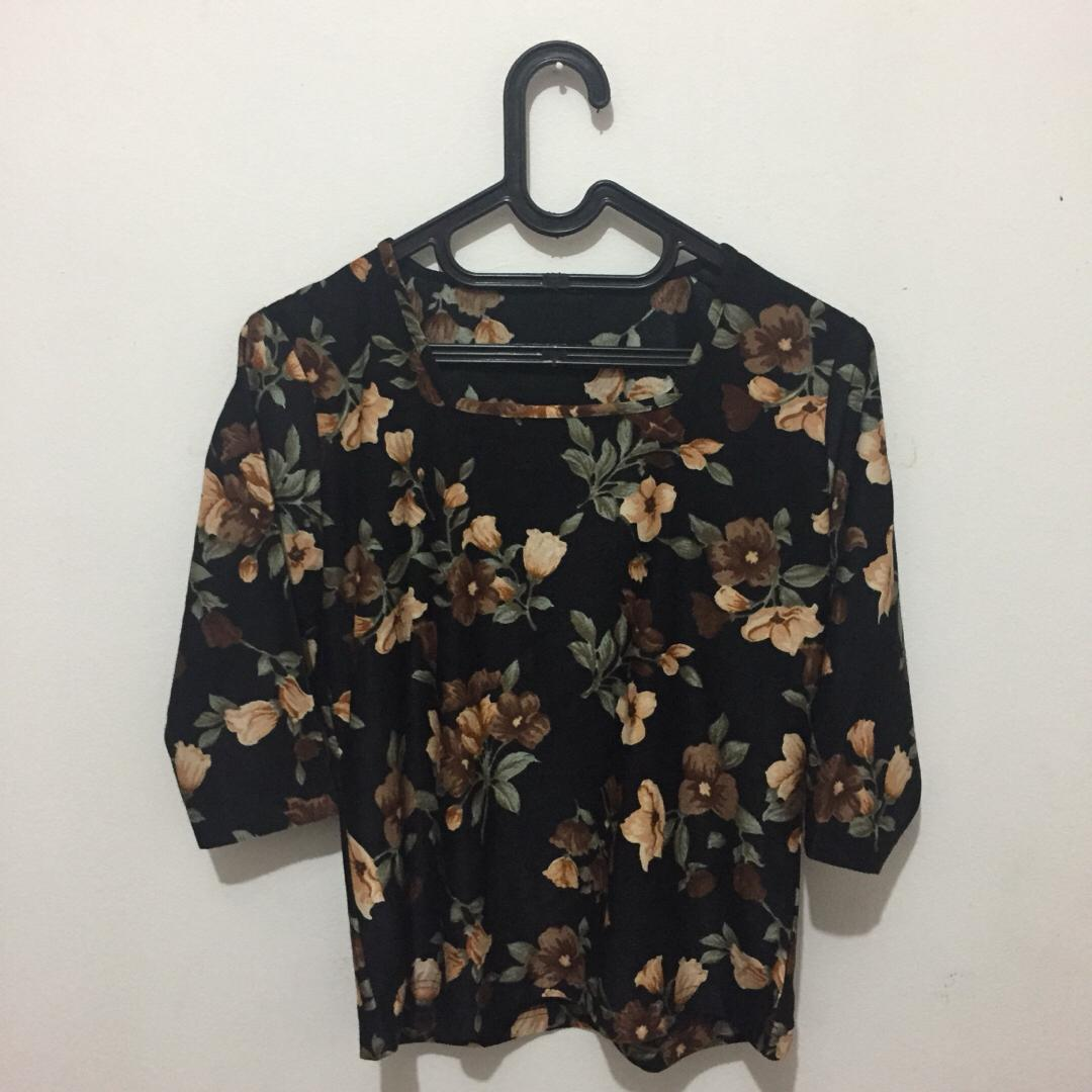 #mauthr Flower top