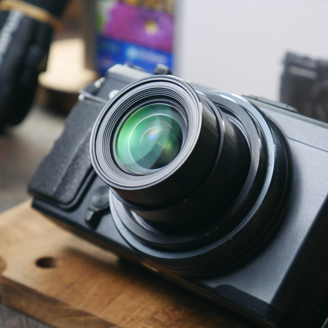 Prosumer Olympus XZ-2 hitam