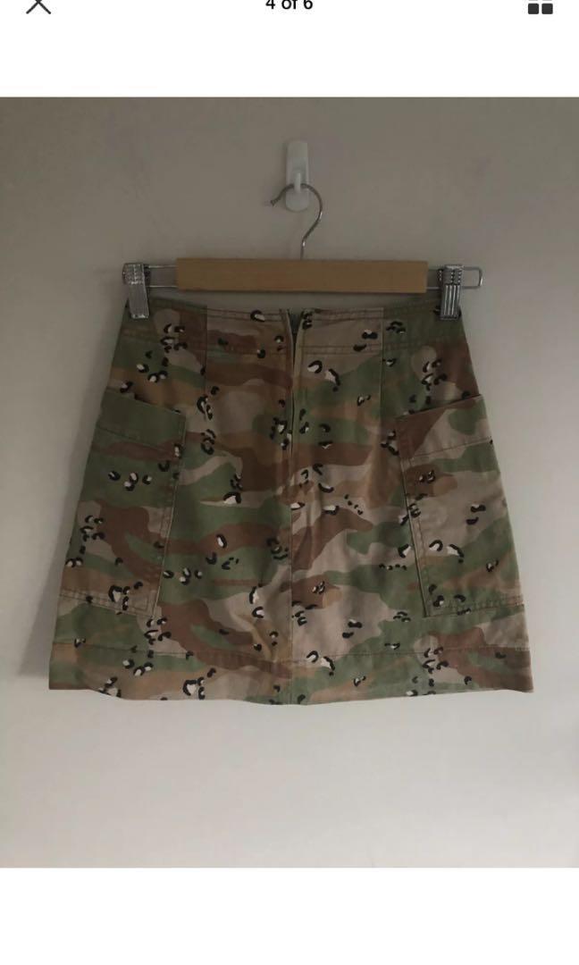 Supre camo print mini skirt
