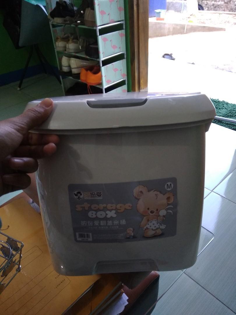 Tempat penyimpanan beras / rice storage box