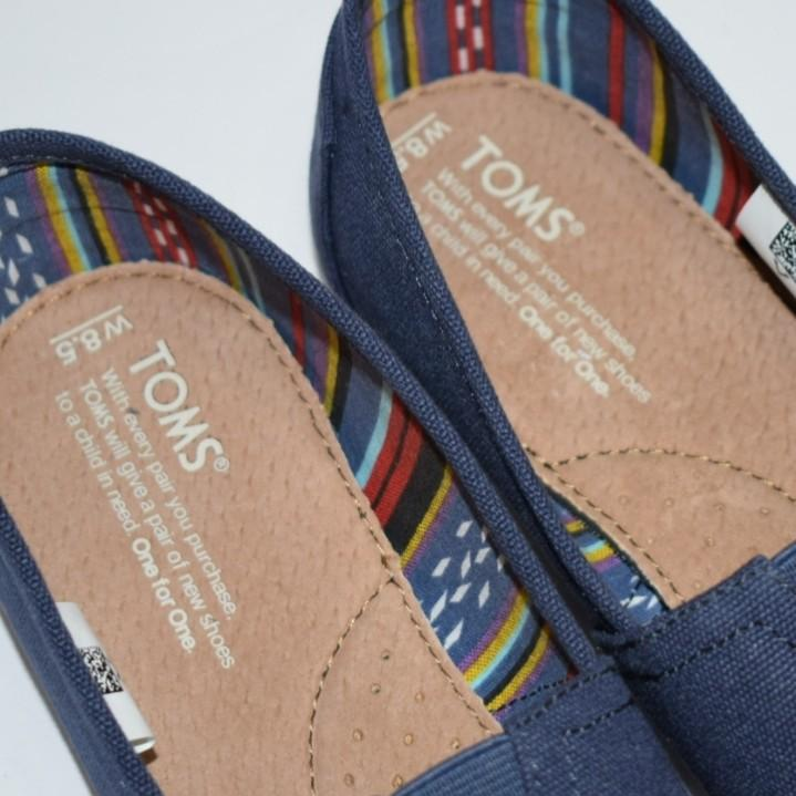Toms Womens Classic Slip-on Canvas Navy Shoes Size 8.5