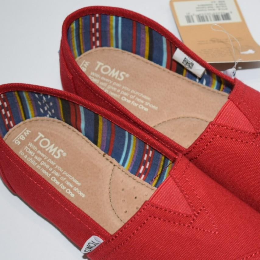 TomsWomens Classic Red Canvas Slip-on Shoes Size 8.5 & 9.5