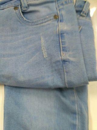 #mauthr Celana jeans wanita model ripped