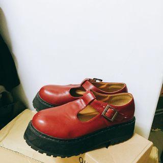 🚚 紅色復古鞋 畢業出清沒賣掉就丟掉