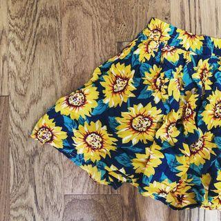 BRANDY MELVILLE ONE SIZE sunflower skirt 🌻