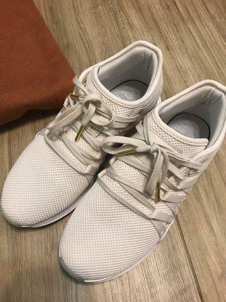 Adidas米白色鞋👟👟