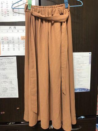 駝色綁帶長裙