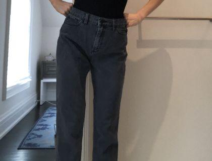 BDG Mom Jeans dark grey size 27