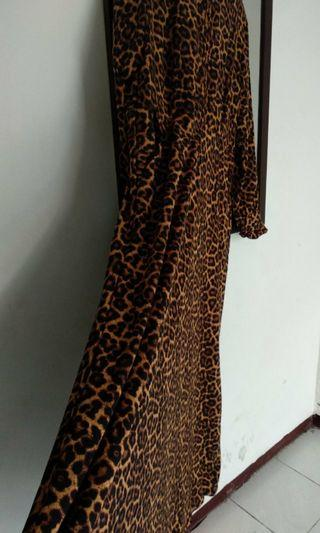 Gamis motif macan