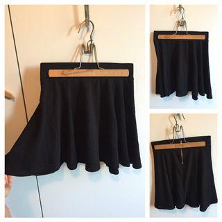 Black Skater Skirt xs - s
