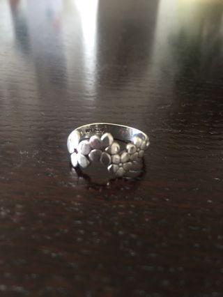 Daisy ring, sterling silver
