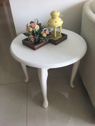 Selling Off a white round Side Table-Pending