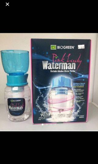 Water Filtered Bottlw