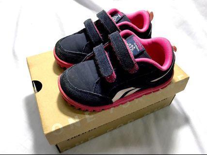 Reebok classic unisex kids running shoe