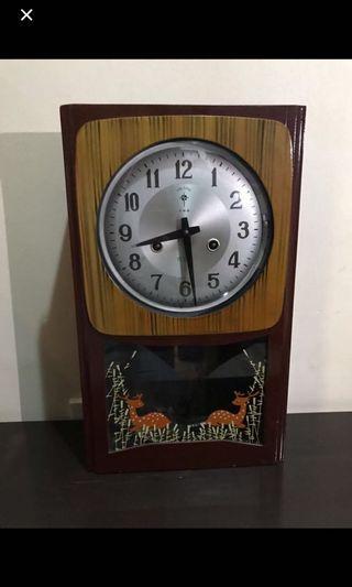 🚚 Vintage Grandfather Clock