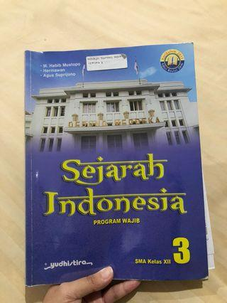 Buku cetak sejarah