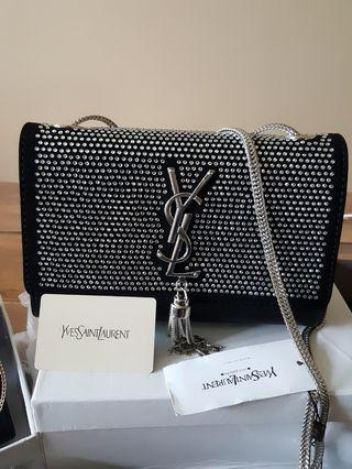 🚚 Handbags