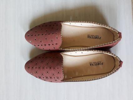#mauthr flat shoes