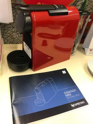 Nespresso Essenza Mini 寶石紅色咖啡機