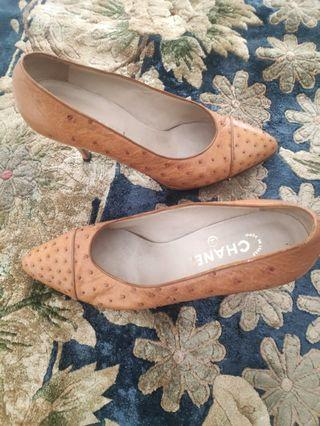 Chanel vintage ostrich pumps sz 39.5
