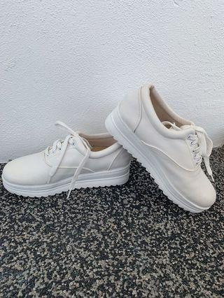 Casual Classic Wedge White Shoes